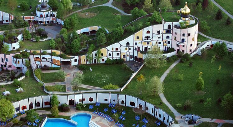 Friedensreich hundertwasser tw rczo architektoniczna i for Hundertwasser architektur
